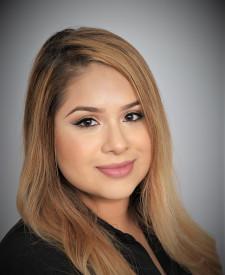 Photo of Alejandra Hernandez