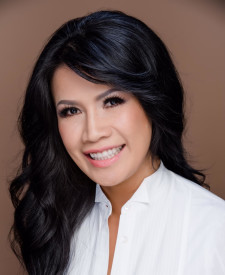 Photo of Lori Nguyen