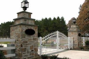 Bluestone Entrance Pillars with Bluestone Caps