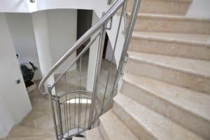 Crema Eda Marble Steps