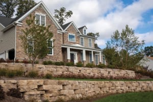 NicolockOutcropping Wall System