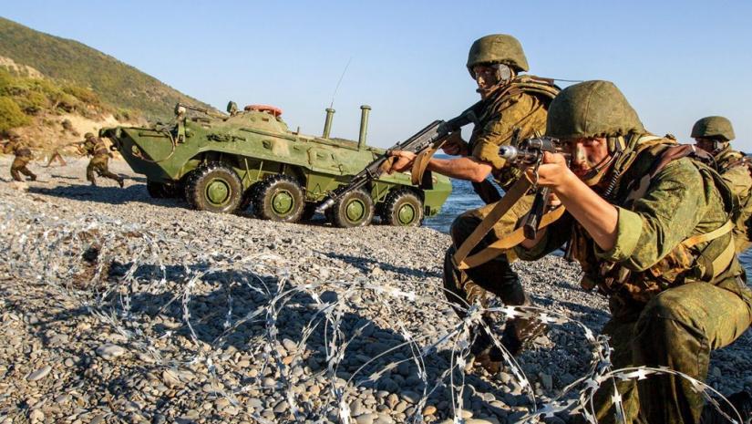 Аннексированный Крым: курорт на военной базе