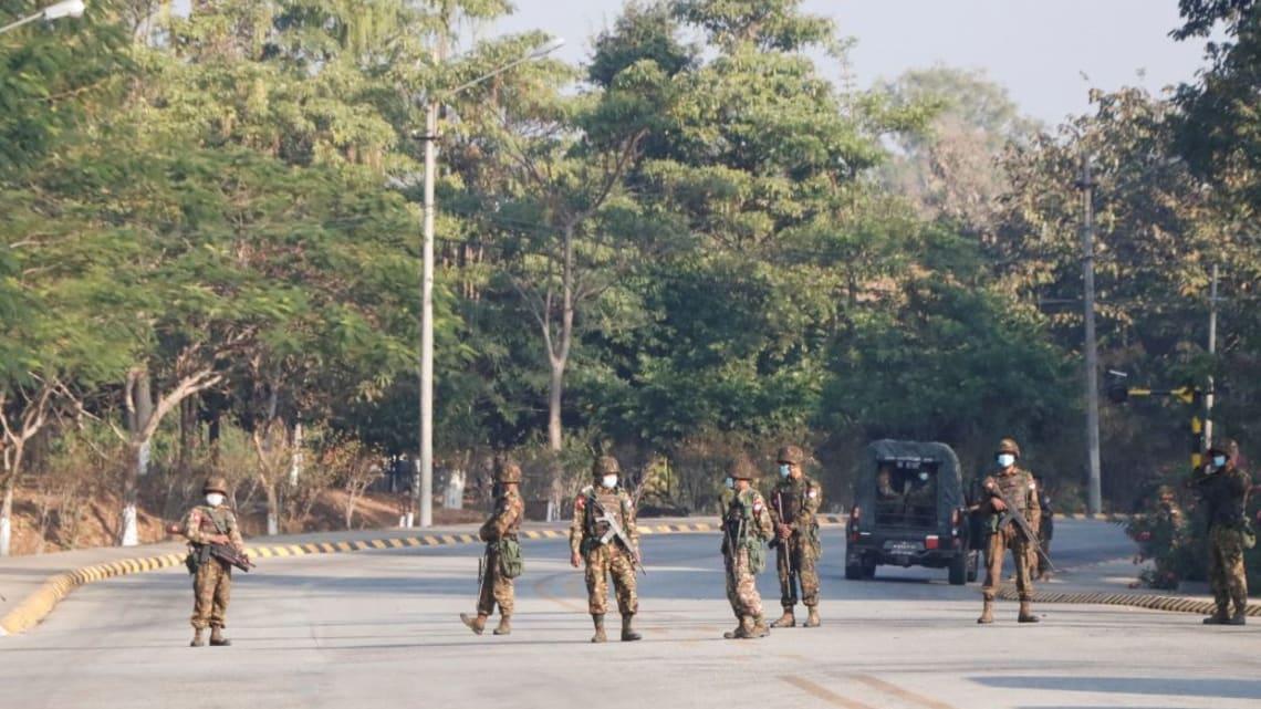 Проигравшие выборы военные Мьянмы захватили власть и отстранили Президента Аунг Сан Су Чжи