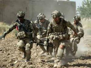 Эвакуация раненого военнослужащего