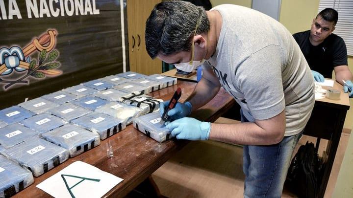 Аргентина начала процесс о 400 кг кокаина в посольстве РФ