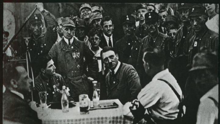 Английский ученый: Россия породила фашистскую идеологию и благословила Германию на Холокост