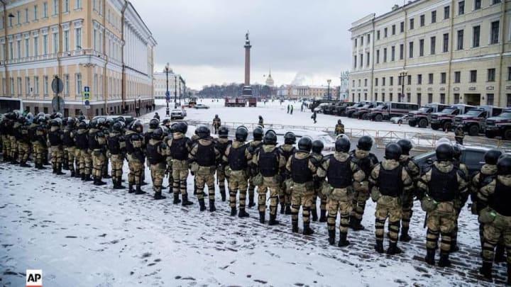 """Открытое письмо российским солдатам и офицерам.Тема: """"Когда откричат крикуны, а бандиты положат друг друга, а правительство свергнет себя, и некого станет винить"""""""