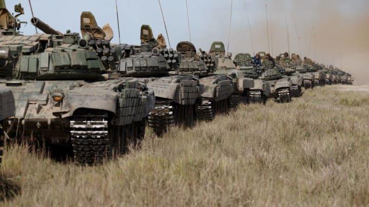 Миссию ОБСЕ блокируют на территории ОРДЛО, а пока из России идет военная техника