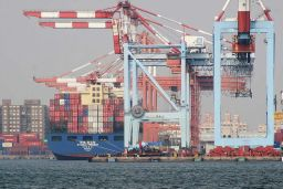 Taiwan port containers