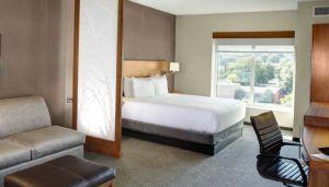 Hyatt Place Boston Seaport District hotel