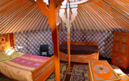 Yourte et roulotte de la LAÏTA - Yourte Orange