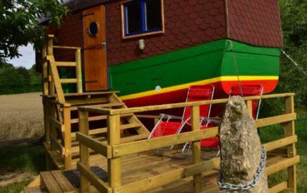 Yourte et roulotte de la LAÏTA - le bateau gite