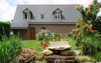 Les Hortensias, maison en Pierre avec piscine intérieure