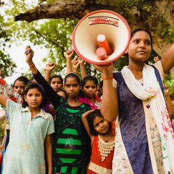 Tue tyttöjen oikeuksia