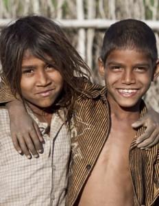 Hjælp Unicef hjælpe andre