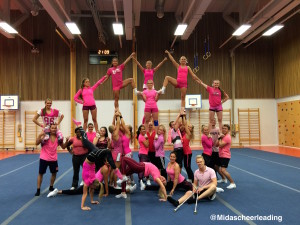 BI Midas Cheerleading mot brystkreft!