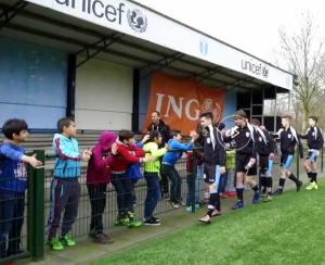 Voetbal met vluchtelingen