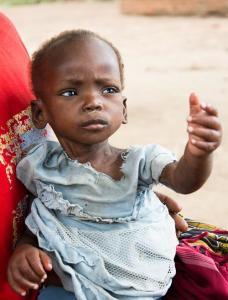 Anna käsi, auta lasta - teet paremman paikan maailmasta.