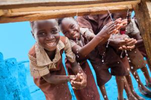 Tiszta ivóvizet minden gyereknek