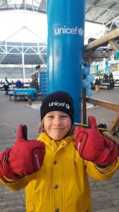 Siebe schaatst voor UNICEF