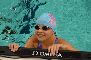 Lynn Zwemt voor Unicef