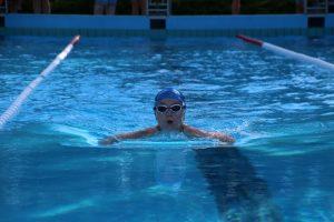 Wessel zwemt voor unicef