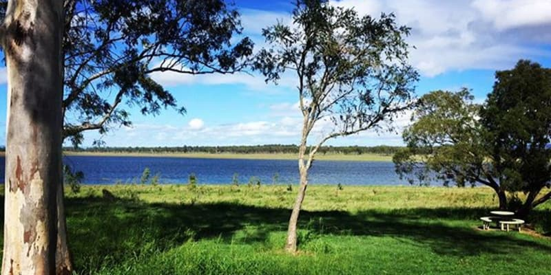 Go camping with your boat at 5 campgrounds near Ravensbourne