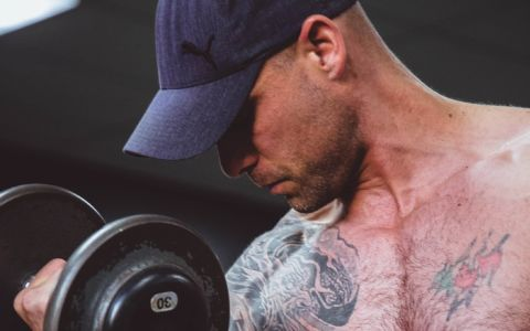 Arm exercises with weights for flabby arms