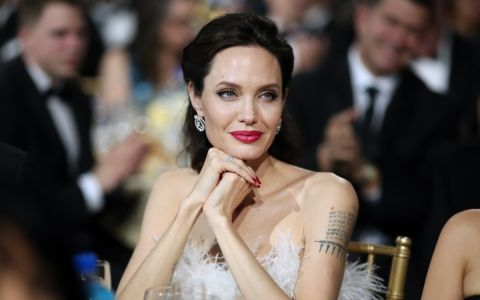 Biography of Angelina Jolie