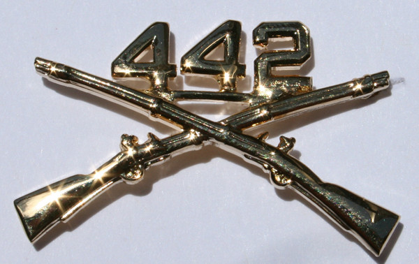 442 RCT Crossed Rifle Pin