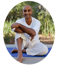Theva - Yoga instructor
