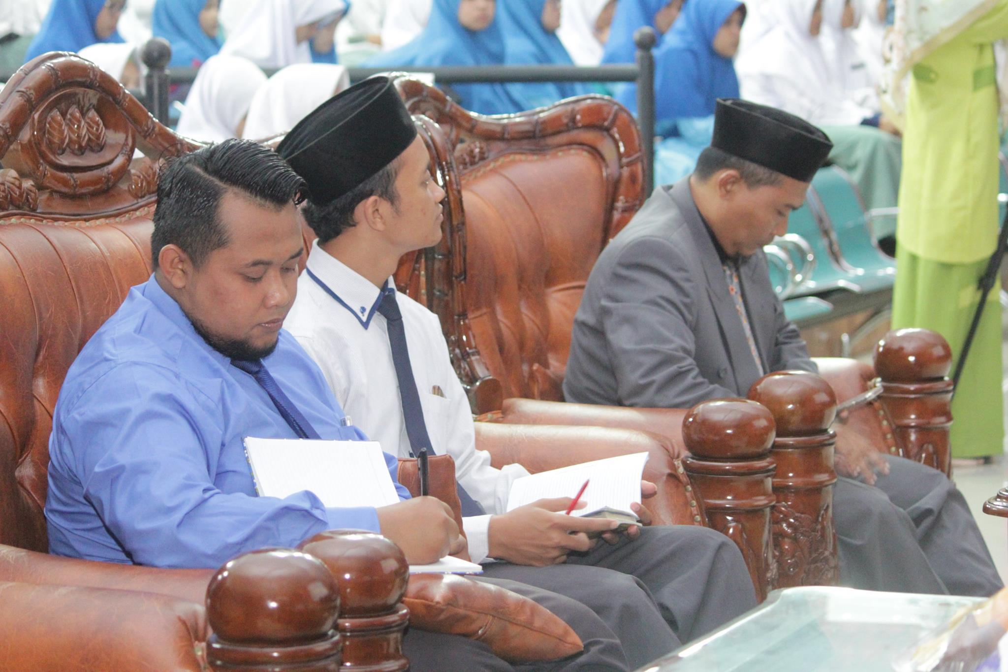 Kunjungan KH. Ahmad Suharto, M. Pd. I Wakil Pengasuh Pondok Modern Darussalam Gontor Putri 1