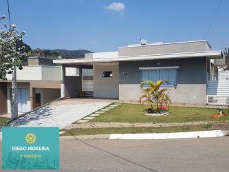 Casa de Condomínio Chácaras Maringá com 300 m2 referência: CS25