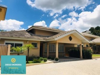 Casa de Condomínio Cidade Satélite com 325 m2 referência: CS169