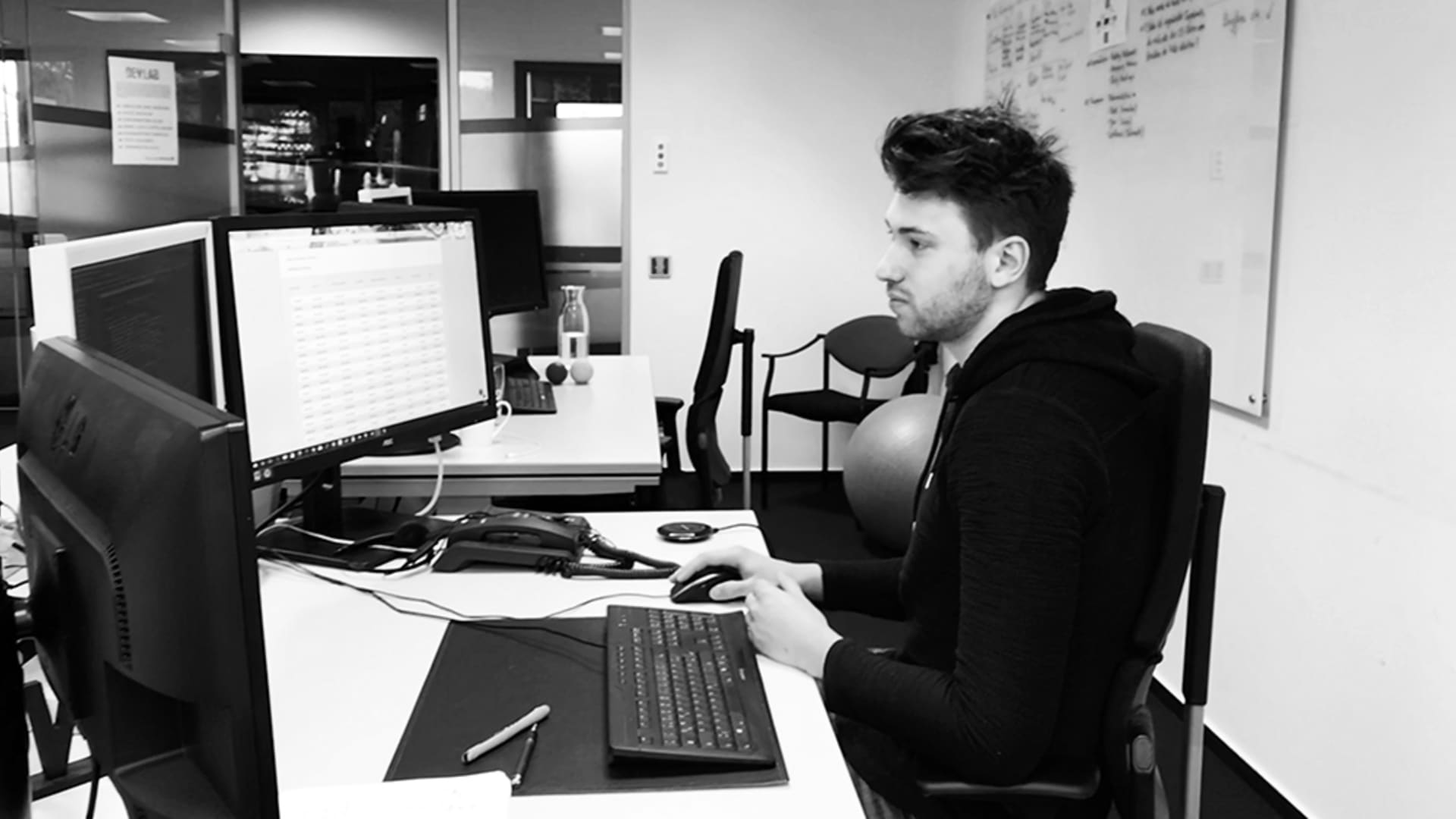 Christian wurde nach seiner Ausbildung als Programmierer in die Abteilung ELEX - Digital Solutions übernommen.