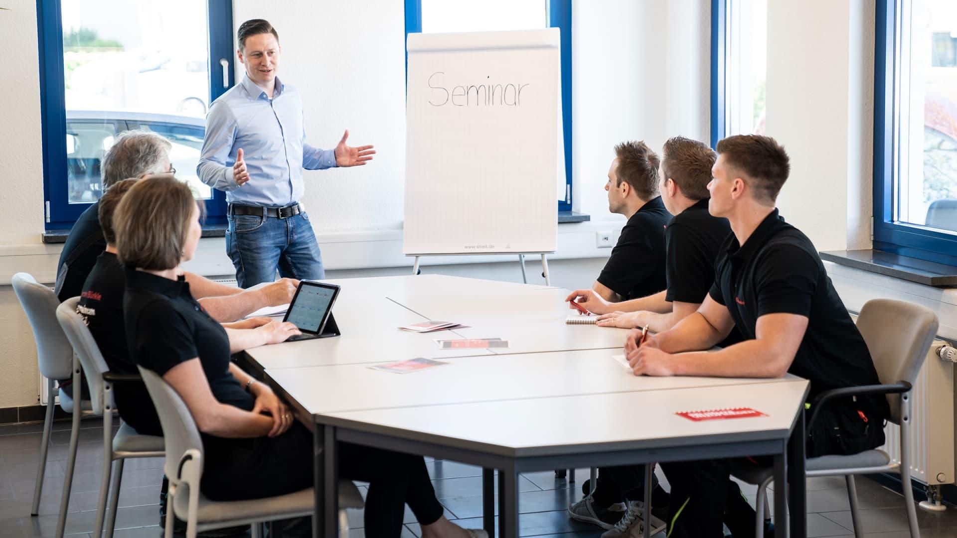 Weiterbildung - Alexander Bürkle Panel Solutions