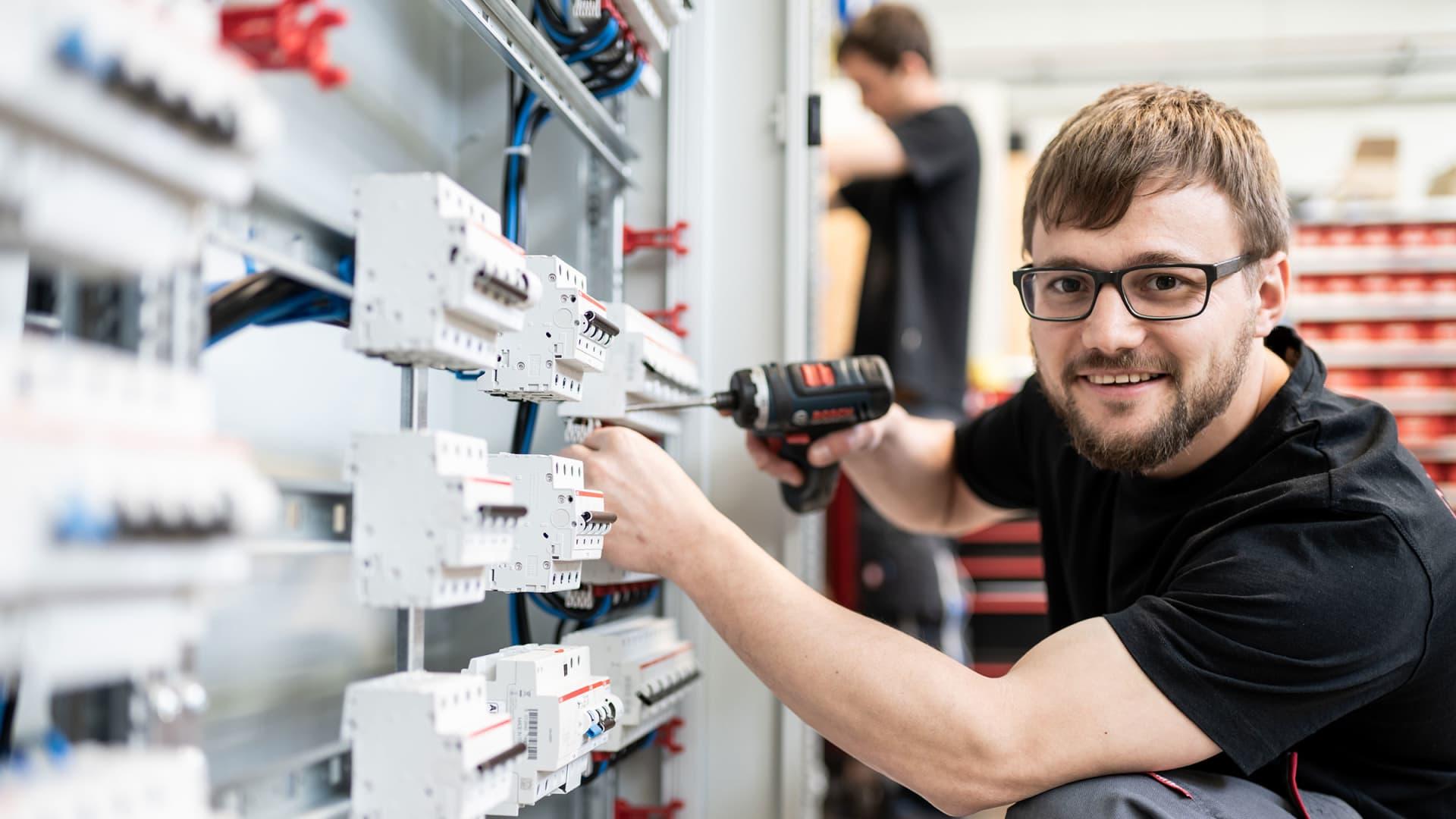 Gebäudetechnik - Alexander Bürkle Panel Solutions
