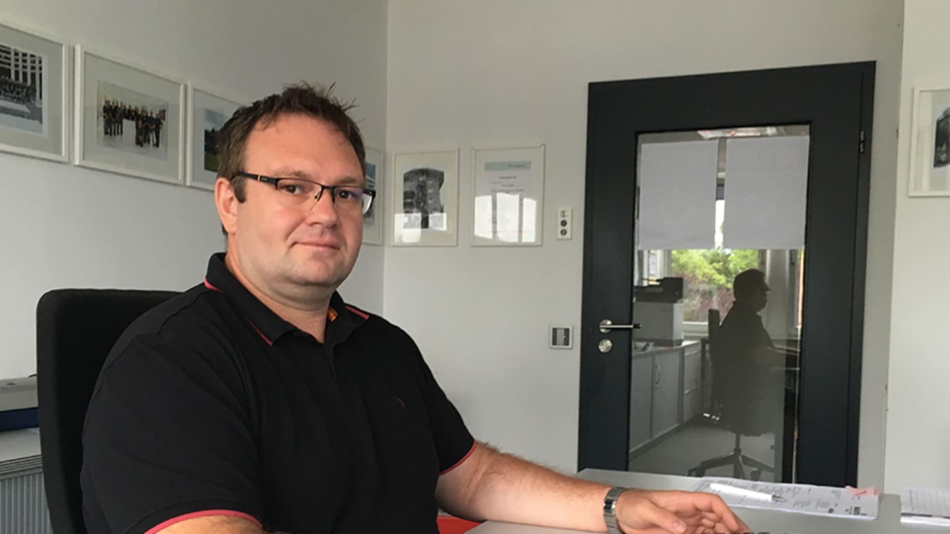 Waldemar arbeitet im Qualitätsmanagement bei Alexander Bürkle