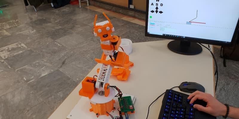 Schülerprojekt: Roboterarm