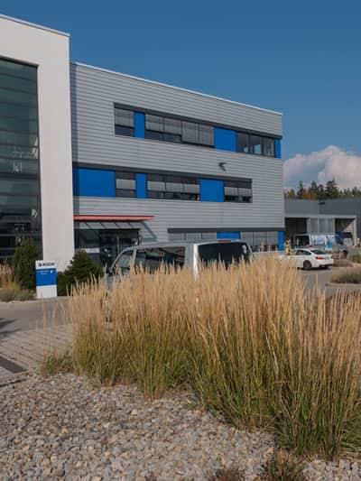 Außenansicht Firmengebäude KOCH Pac-Systeme GmbH