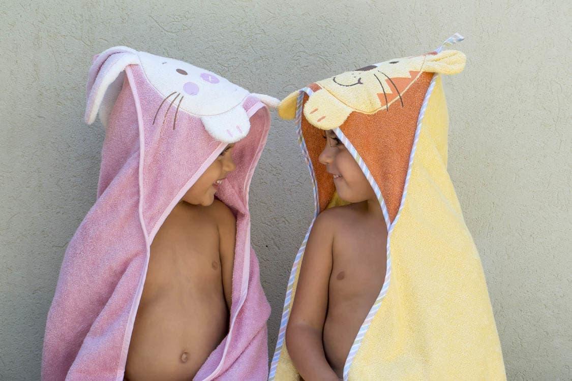 זוג מגבות ילדים עם כובע ראש מעוצב