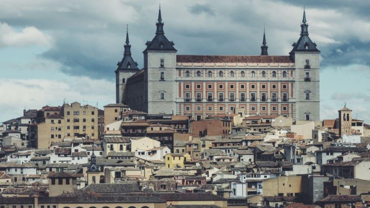 Pakej Percutian ke Toledo Bersama Tripfez