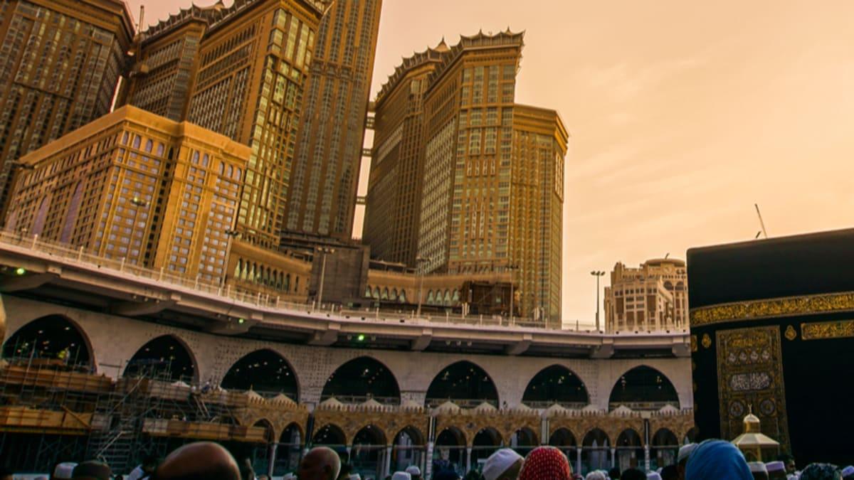 Quick Umrah: Madinah → Makkah With Tripfez