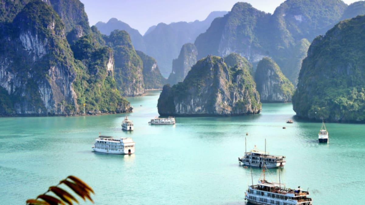 Hanoi X Halong Bay With Tripfez
