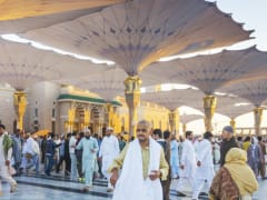Tripfez TravelUmrah March School Holiday: Madinah → Makkah  package