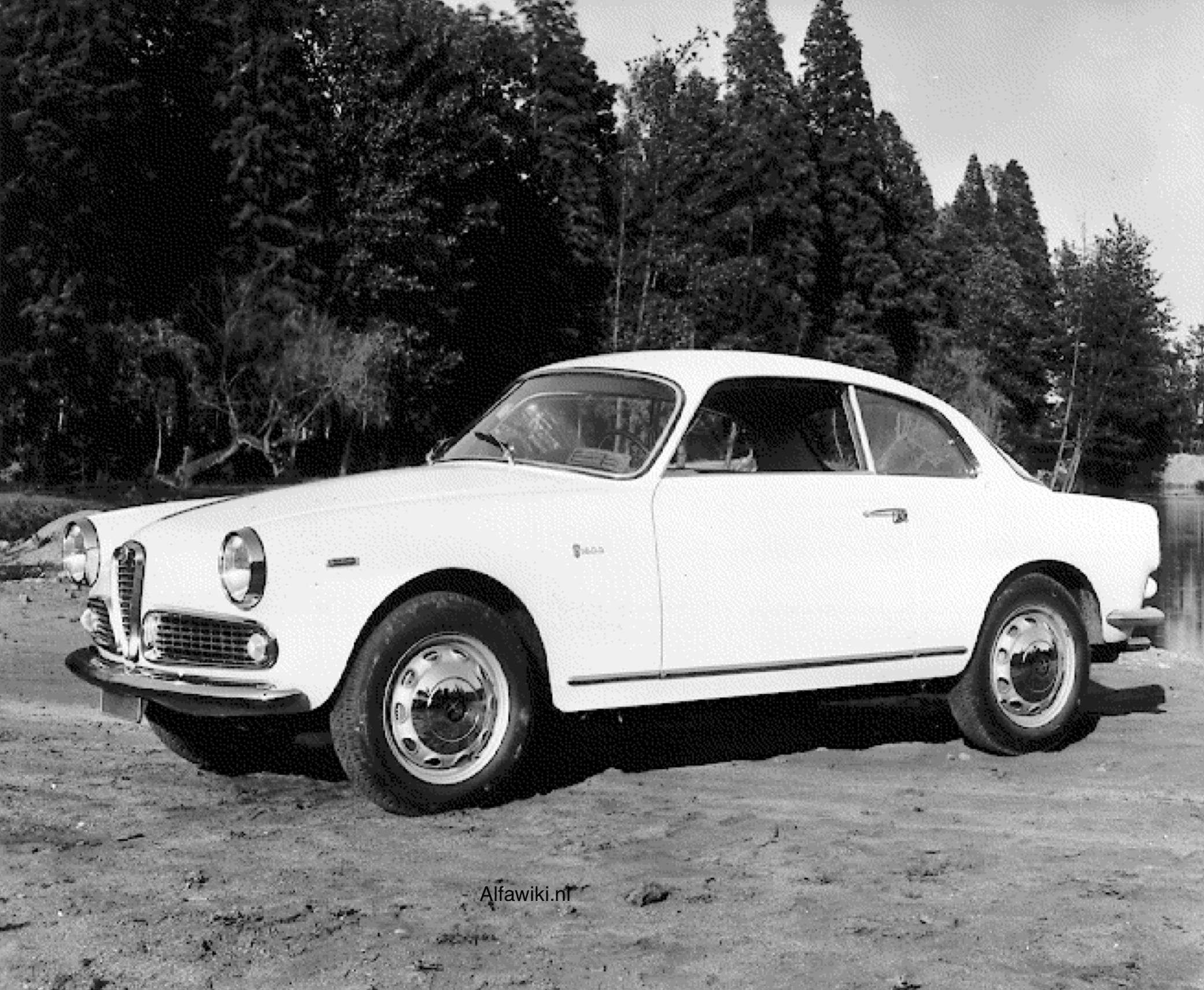 Alfa Romeo Giulia Sprint press photos