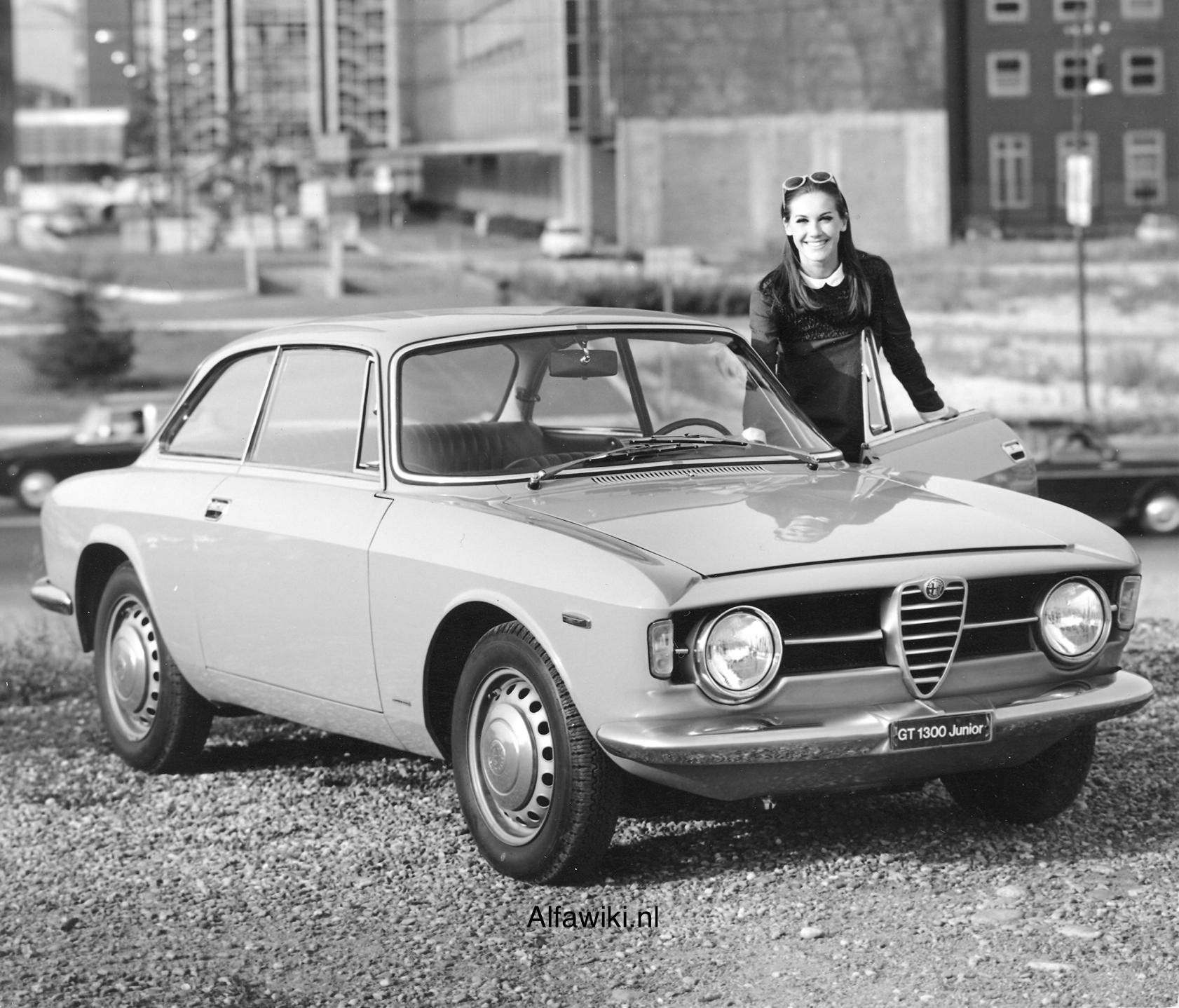 Alfa Romeo 1300 Junior press photos