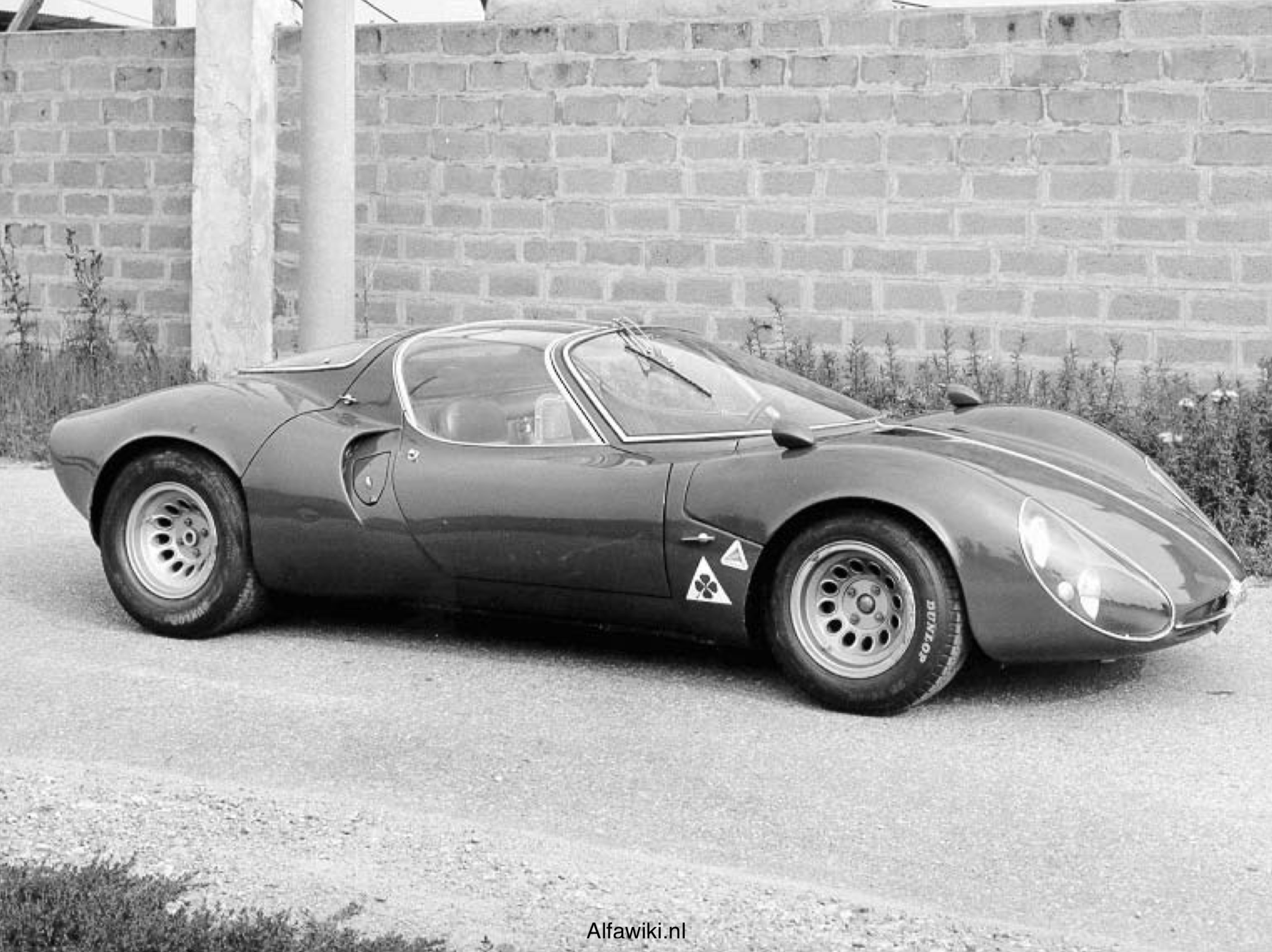 Alfa Romeo 33 Stradale press photos