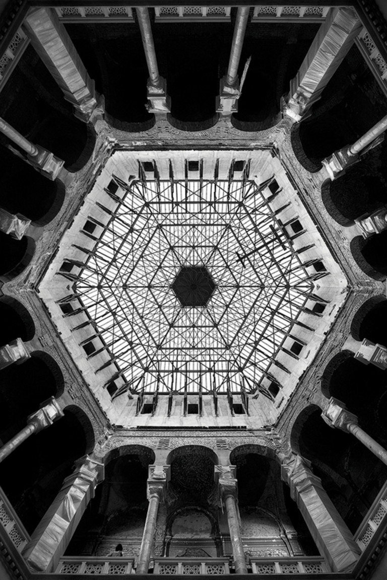 Rigor and symmetry. Interview with Angelo Morelli