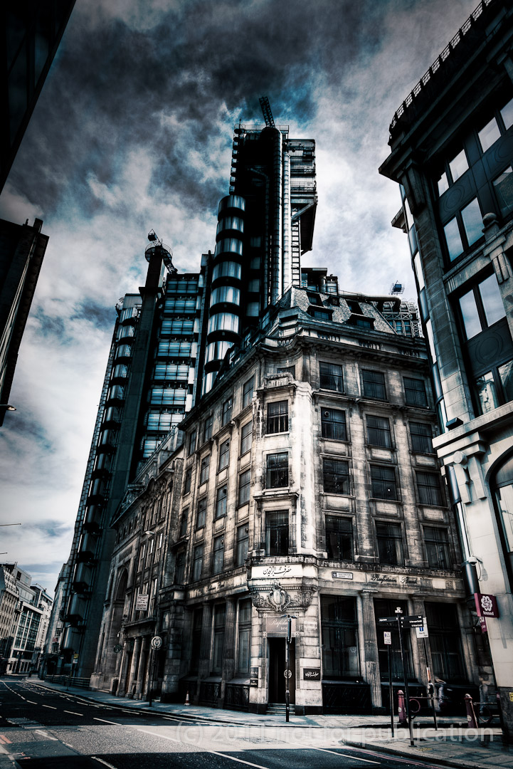 London Iraqi Bank - Occupied